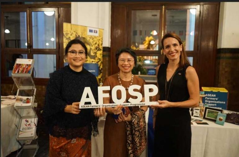 AFOSP with H.E. Amb. Phasporn Sangasubana