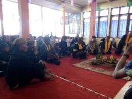 Ritual Waisak di Sanggar Pasembahan Vihara Paramitta