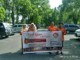 Tim penebar parcel lebaran dari relawan mahasiswa dan RELINDO Sumut (dok. Relindo Sumut, 8 Juni 2018)