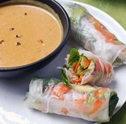 Vietnamese spring roll dengan pembalut berbahan tepung beras (www.thekitchn.com)