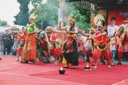 Tradisi Dhandhangan (www.musthofa-bupati.com)