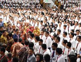 (Sumber foto: https://www.suaraaktual.co/2018/03/birokrat-muda-motor-kemajuan-indonesia.html)