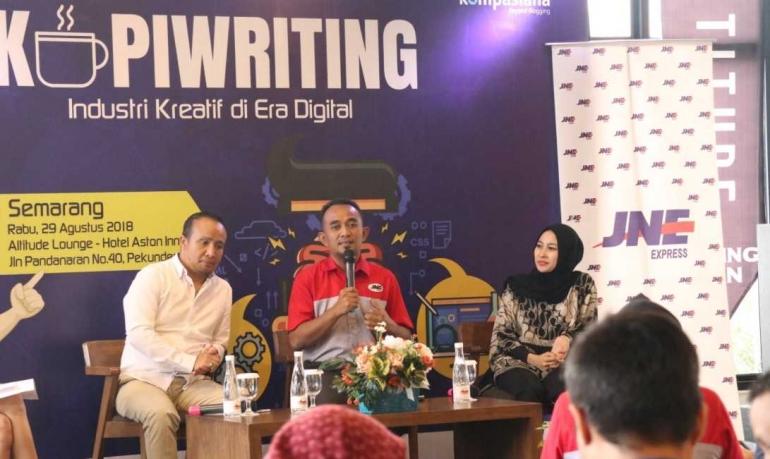https://twitter.com/JNE_ID   Madiyo Sriyanto, Mayland Hendar Prasetyo, Irma Susanti (kiri ke kanan)
