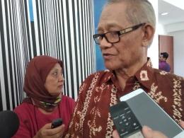 Drs. Benny A Kodyat, MPA saat diwawancarai pada acara literasi gizi