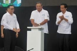 Presiden SBY meresmikan Gerakan Ekonomi Syariah. dan Jokowi selaku Gubernur DKI Jakarta (dokpri)