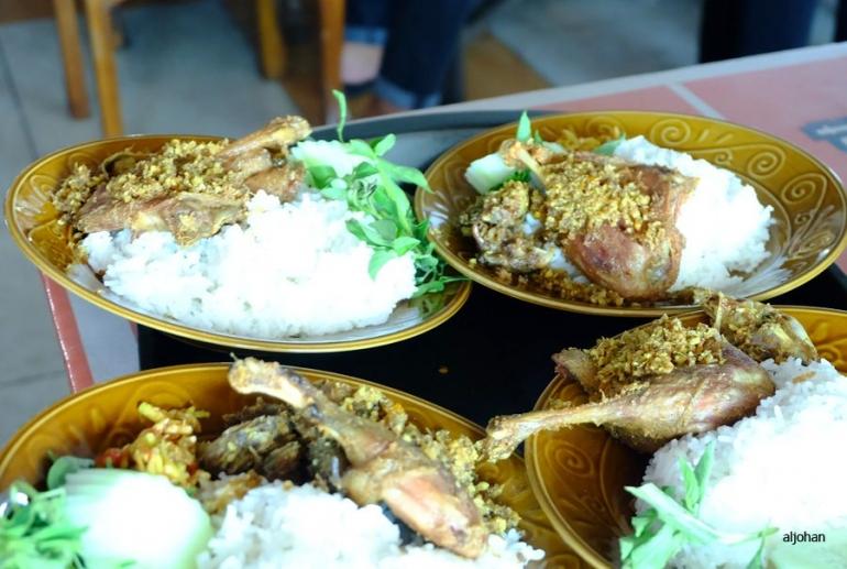 Nasi Bebek Sinjay yang penuh sensasi (Foto pribadi)