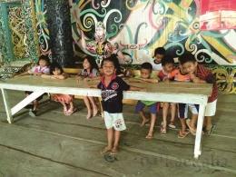 Anak-anak Desa Miau Baru (Foto : @kaekaha)