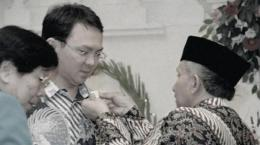 Ahok terima pin reformasi dari Amien Rais/TribunNews.com