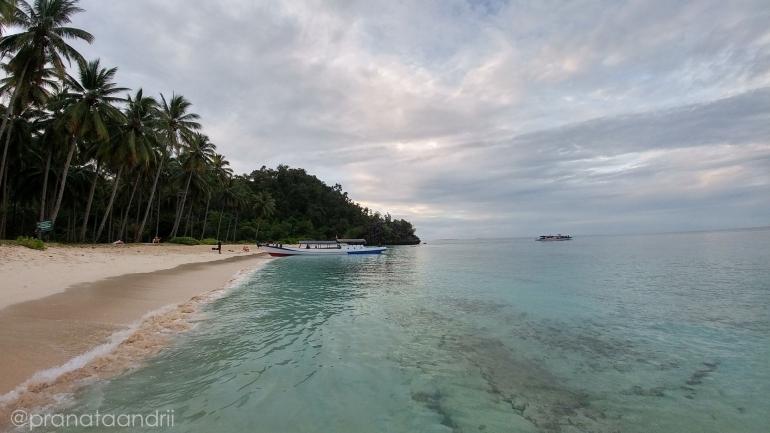 Pemandangan Pantai Pasir di Pulau labengki Kecil - Dokpri