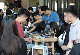 Berbagai produk dipamerkan dalam Product Design Exhibition Teknik Industri UPH (dokpri)