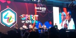 suasana sharing session pembicara dengan ratusan milenial