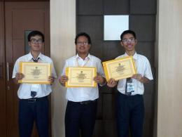 Mendampingi peserta ekstrakurikuler pada Lomba Jurnalistik Humas Kab. Bekasi (dokpri)