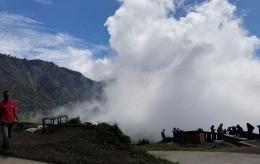 Awan di sekitar Puncak Seruni Point