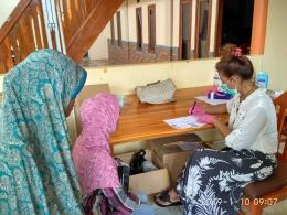 Kegiatan Bakti Sosial Pengobatan Gratis Jokower Jakarta di Ujung Genteng, Sukabumi, Jawa Barat, Kamis (10/01/18). Foto: Istimewa.