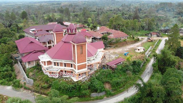 Gereja dilihat dari foto udara (Foto: Jeff Rekando Lubis)