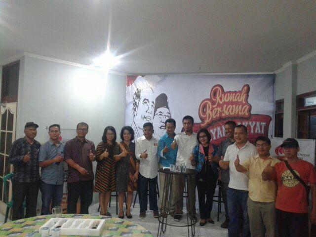 Para panitia Koalisi Lintas Alumni Medan saat sesudah konferensi Pers (1/2/19) [dok. pribadi]