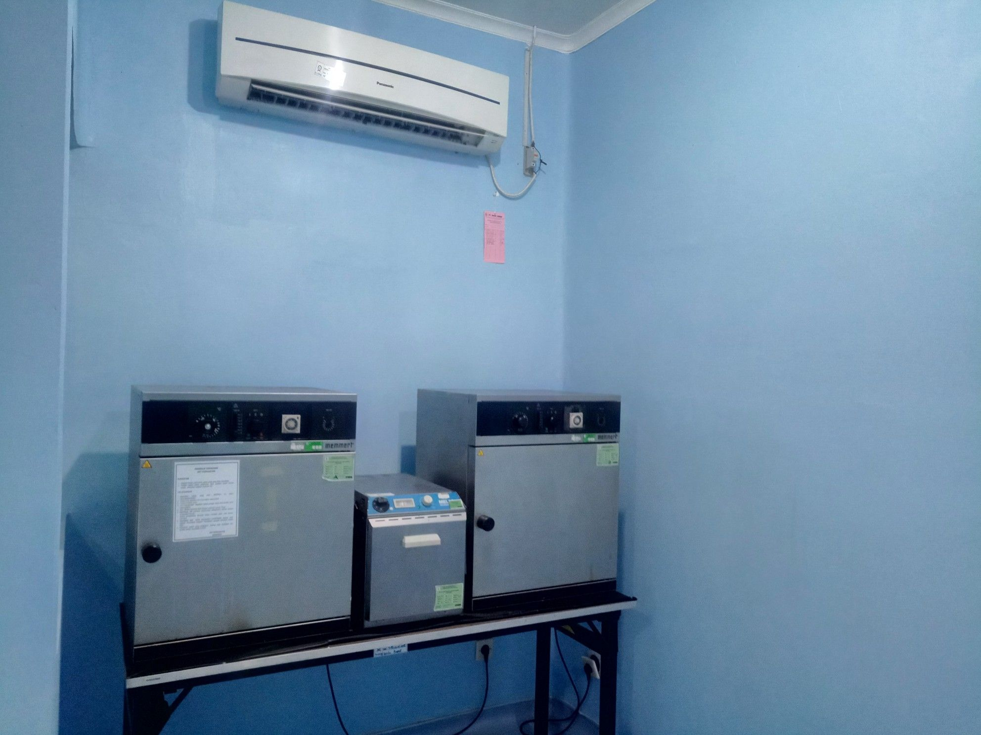 Deskripsi : Alat sterilusasi suhu tinggi I Sumber foto : dokpri RSKO