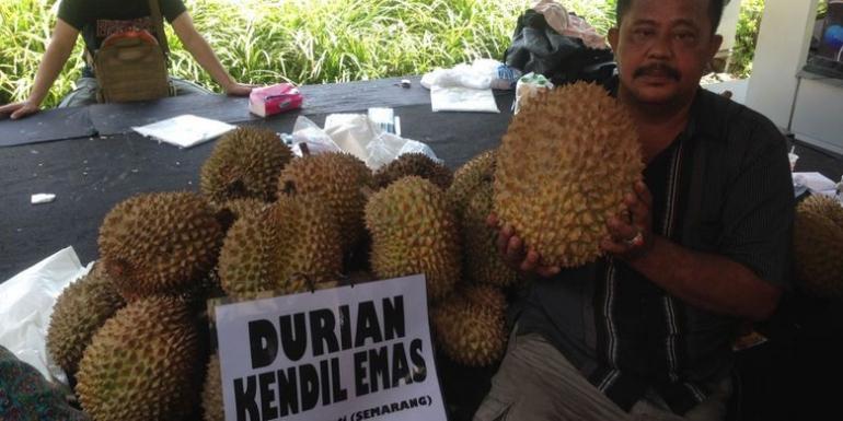 ilustrasi: arga durian ditawarkan mulai Rp 80.000 per butir. Beberapa stan durian menjual durian dengan hitungan per kilogram. (Foto: KOMPAS.COM/WAHYU ADITYO PRODJO)