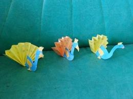 Tiga burung merak hasil karya kami. Photo by Ari