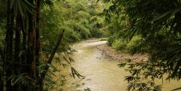Sungai melintasi kampung baduy