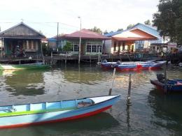 Ada banyak perahu untuk menangkap ikan dan mengantar wisatawan (dokpri)