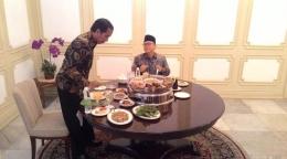 Santap Siang Ketum PAN, Zulkifli Hasan bersama Jokowi /dok.Liputan6.com