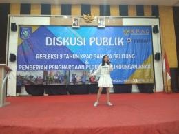 Zahralia Tampilkan Bakatnya di depan Peserta Diskusi Publik KPAD