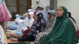 Bulan puasa, bukan berarti juga harus puasa untuk berwisata. Dengan pergi ke suatu tempat, semangat melakukan ibadah bisa tambah tinggi. Apalagi, jika berupa wisata religi dari masjid ke masjid. (dok.windhu)