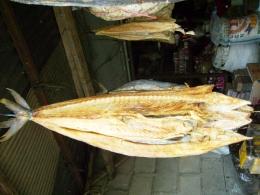 Ikan Asin Tenggiri. Picture taken by Safri Ishak, Pasar Pembangunan Pangkal Pinang, 21-April-2011.