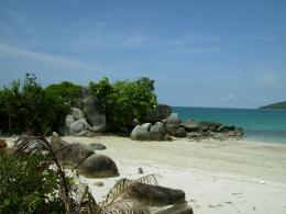 Pantai Siangau. Picture taken by Safri Ishak, Kecamatan Parit Tiga, Bangka Barat, 22-April-2011.