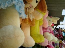 Toys Shop. Picture taken by Safri Ishak, Kecamatan Parit Tiga, Bangka Barat, 22-April-2011.