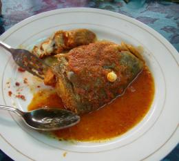 Ikan Semenyak Gulai Tumis Asam Pedas. Picture taken by Safri Ishak, March 2010. Mentok Bangka.