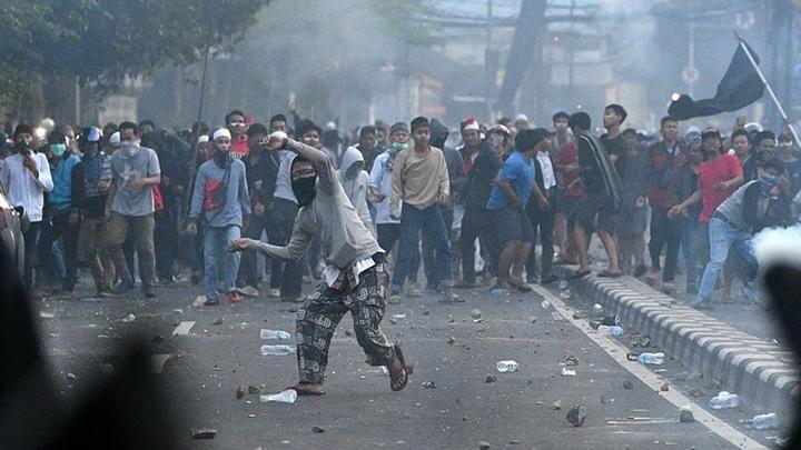 Aksi kerusuhan 22 Mei [Foto: ANTARA FOTO/Sigid Kurniawan]