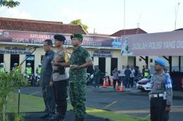 Dandim 0815 Bersama Wakil Walikota Mojokerto Dampingi Kapolres Mojokerto Kota Pimpin Apel Gelar Pasukan (Pendim 0815 Mjk)