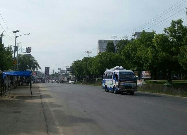 Jalan lintas sumatera tepatnya di bagan batu masih sepi pemudik.foto : dok pribadi/ps express