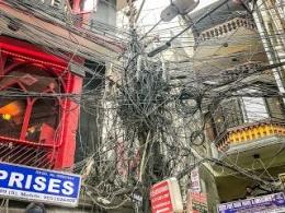 Coba Bayangkan Kalau Kabel Mbulet Ruwet Seperti Diatas Lalu Bagaimana Memperbaiki Kalau Ada Masalah