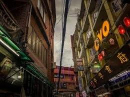 Kabel Melintas Di Tengah Jalan Seperti Ini Pemandangan Biasa Di Kota Kathmandu