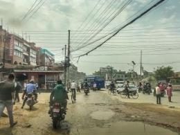 Kalau Kabel Malang Melintang Ditengah Kota DanSangat Rendah Maka Truk Nggak Bakalan Bisa Lewat