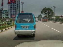 Angkot Kathmandu Warnanya Biru Sama Persis Dengan Angkot Di Kampung Melayu Jakarta