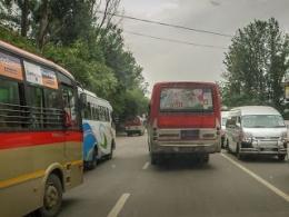 Kelakuan Sopir Bus Kathmandu Sama Persis Dengan Sopir Metromini Jakarta Kejar Kejaran Berebut Penumpang (dok. pribadi)