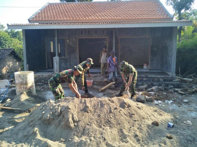 Hedung Gapoktan Desa Kebontunggul (Foto : Pendim 0815 Mjk)