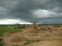 Proses Pemisahan Tanah dengan Intan (bubuhanbanjar.wordpress.com)
