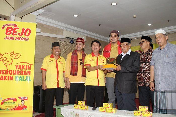 Penyerahan Simbolis Bejo Jahe Merah ke PBNU. Foto: dok Bintang Toedjoe
