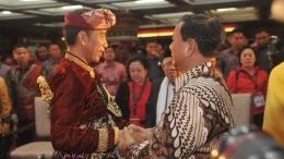 Jokowi-Prabowo di Kongres PDIP [Foto: ANTARA FOTO/Nyoman Budhiana]
