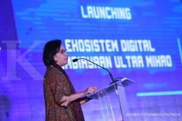 Menteri Keuangan, Sri Mulyani saat hadir dalam peluncuran Ekosistem Digital Pembiayaan Ultra Mikro  Sumber: Antara Foto/Wahyu Putro