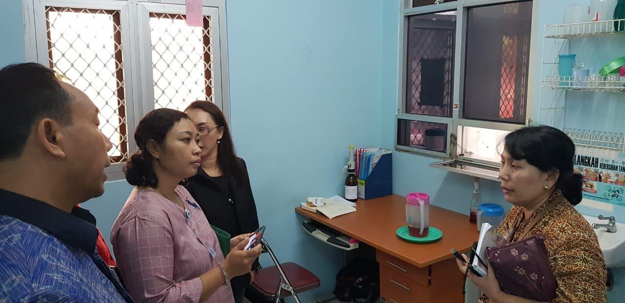 Deskripsi : Kunjungan lapangan ke Klinik PTRM di RSKO Jakarta | Sumber Foto: dokpri RSKO Jakarta