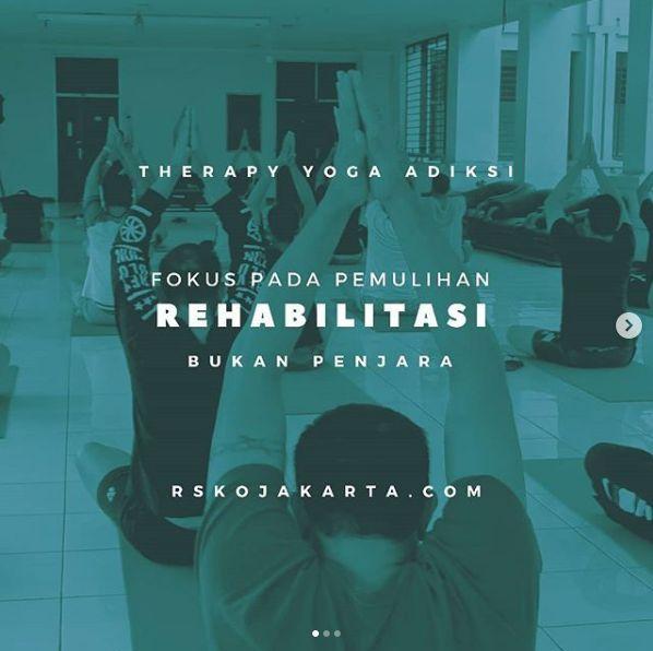 Deskripsi : Yoga menjadi bagian dari therapy I Sumber Foto : dokpri RSKO