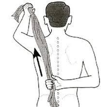 Deskripsi : Contoh gerakan towel stretch I Sumber Foto : fisioterapi