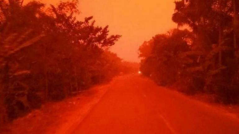 Langit merah di Muaro Jambi, akibat dari Karhutla yang berkepanjangan. (https://www.law-justice.co )