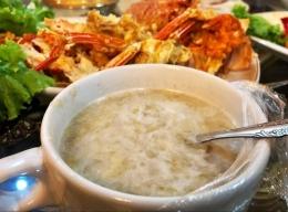 Semangkuk memek, kuliner khas Pulau Simeulue yang baru-baru ini ditetapkan sebagai warisan budaya tak benda Indonesia. Sumber Foto: Instagram @dedekparta